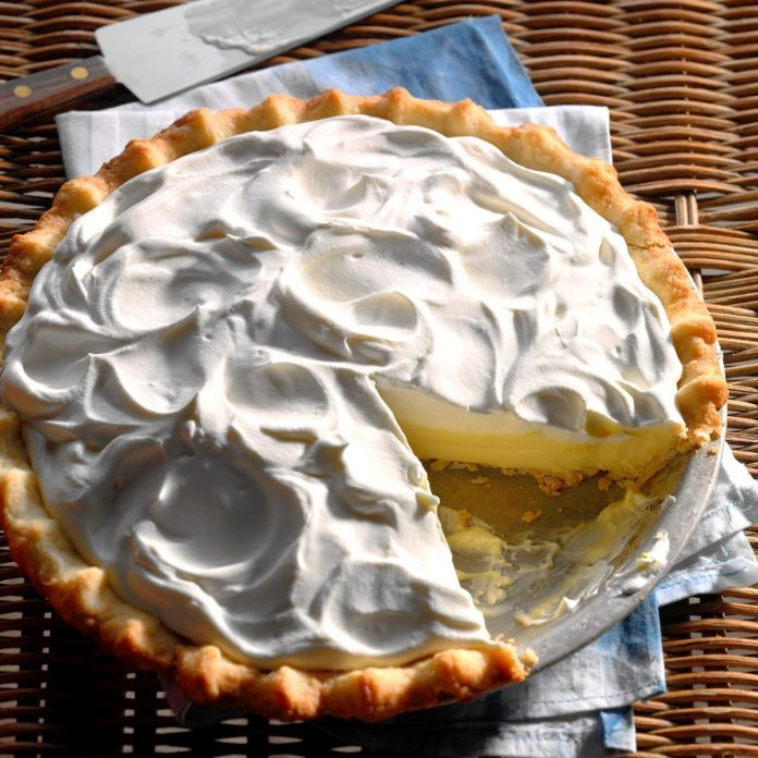 Nevada: Sour Cream-Lemon Pie