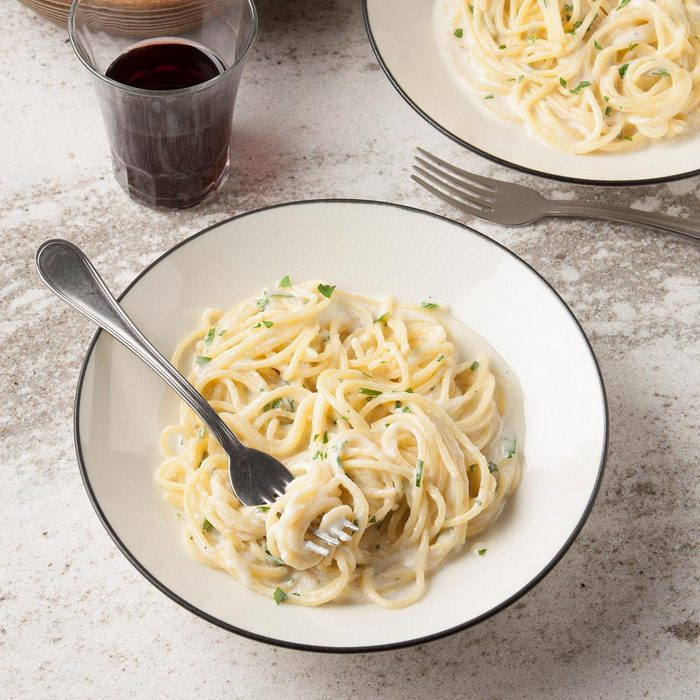 Spaghetti With Four Cheeses Exps Ft19 39663 F 0919 1