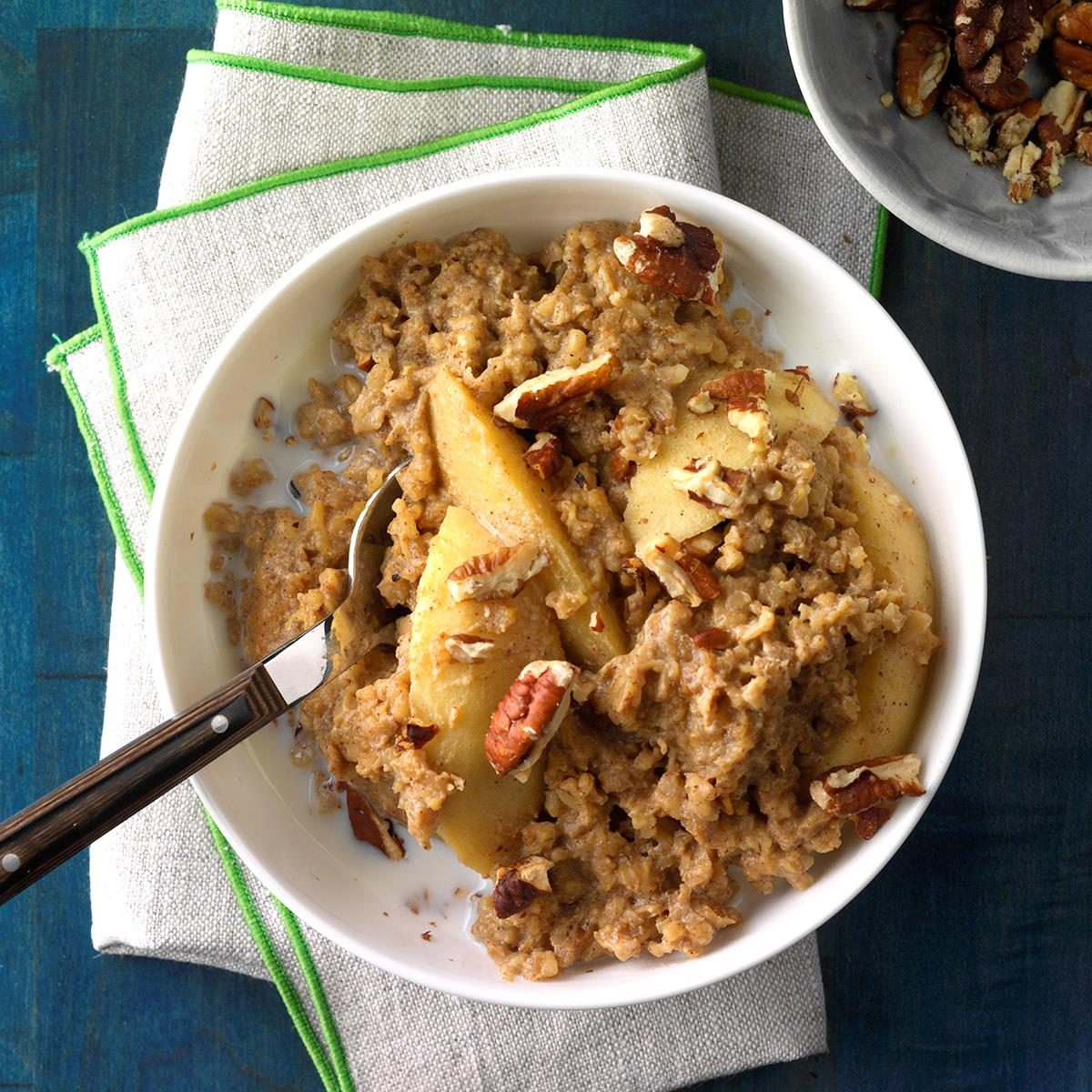 Spiced apple oatmeal