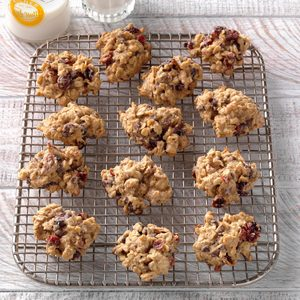 Spiced Cranberry Oatmeal Cookies