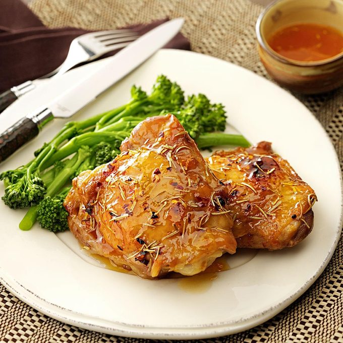 Spicy Apricot Chicken Thighs Exps113032 Baftf2307047b03 09 3brms 3