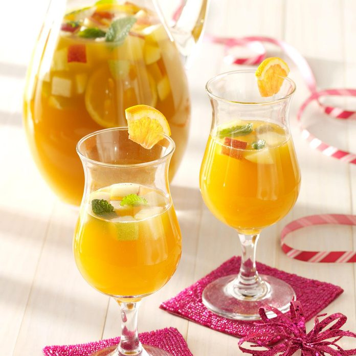Spicy Apricot Sangria
