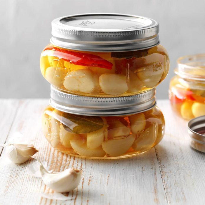 Spicy Pickled Garlic