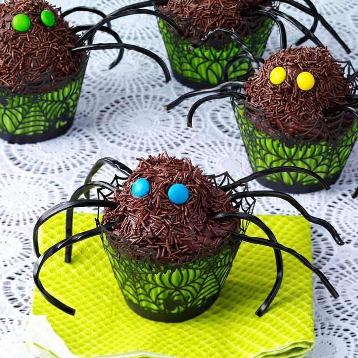 Spooky Snack: Spider Cupcakes