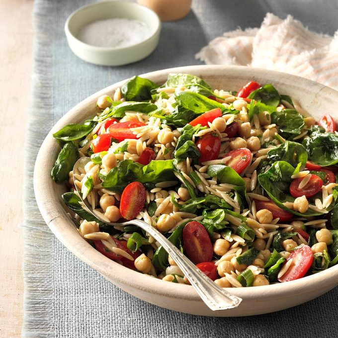 Spinach Orzo Salad With Chickpeas Exps Hc17 66008 D11 02 3b 4