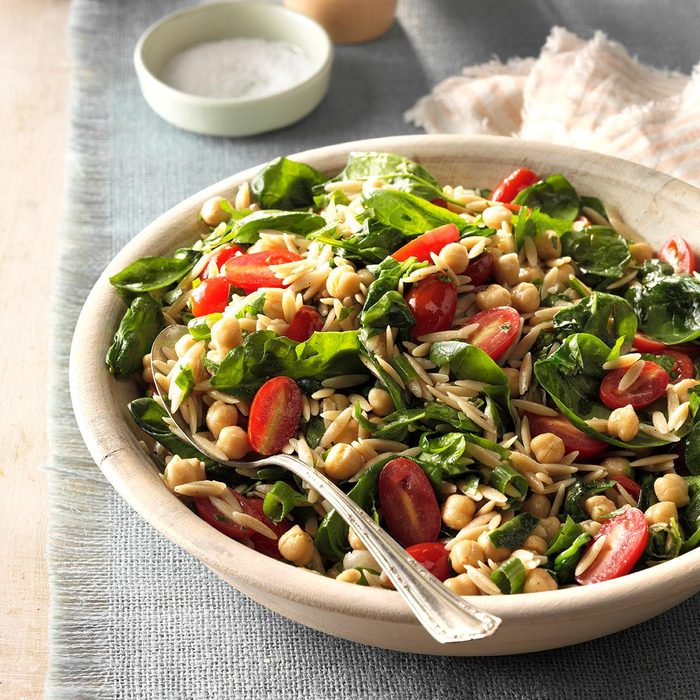Spinach Orzo Salad With Chickpeas Exps Hc17 66008 D11 02 3b 6