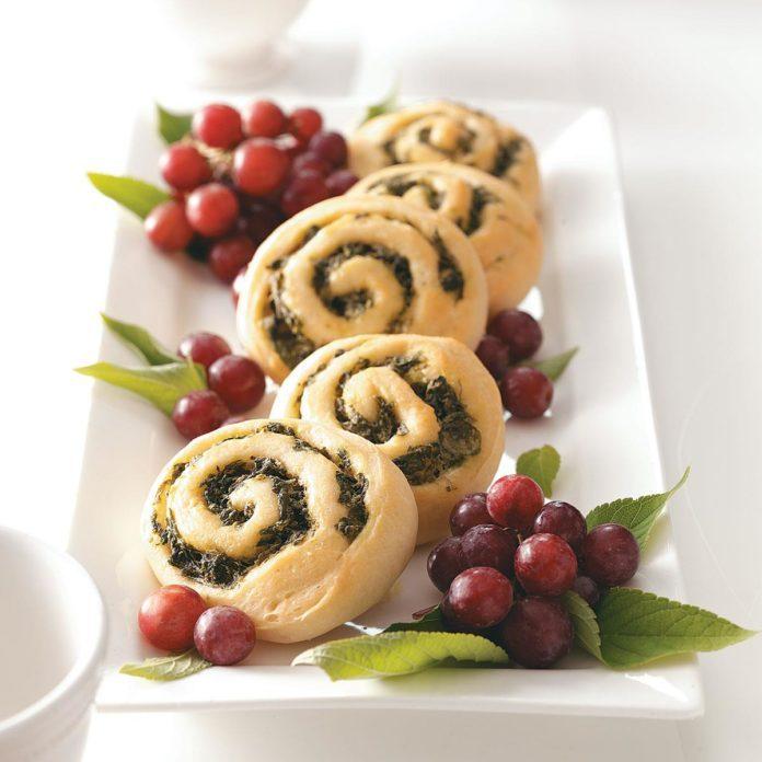 Spinach Pinwheel Rolls