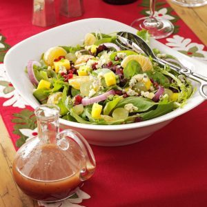 Spring Greens with Blue Cheese and Fruits