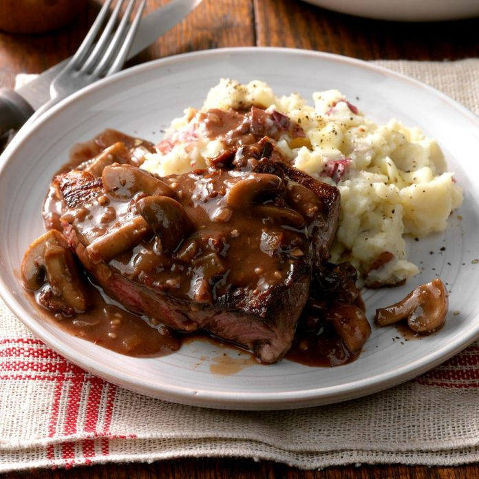 Steaks with Mushroom Sauce