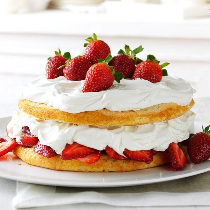 Delaware: Strawberries & Cream Torte