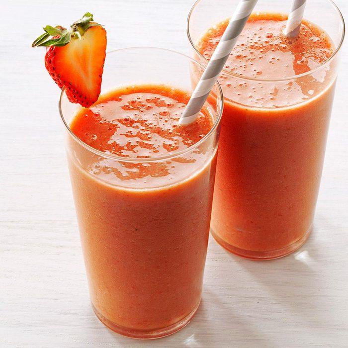 Strawberry Lemonade Smoothie Exps166627 Th132767a05 02 16bc Rms