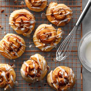 Strawberry-Pecan Yeast Rolls