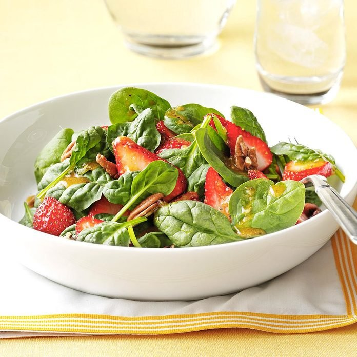 Strawberry Spinach Salad With Poppy Seed Dressing Exps68299 Th2379797b11 15 3bc Rms 2