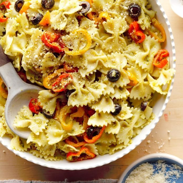 Sweet Pepper Pesto Pasta