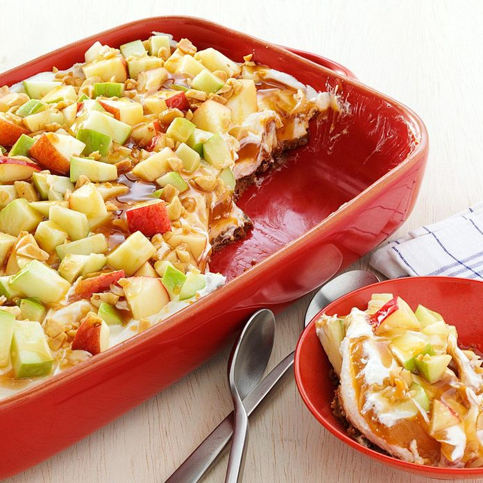 Tempting Caramel Apple Pudding With Gingersnap Crust Exps144025 Th2379800a05 11 5bc Rms 2