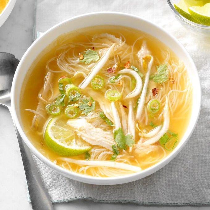 Thai Chicken Noodle Soup Exps Edsc17 196599 B03 16 4b 8