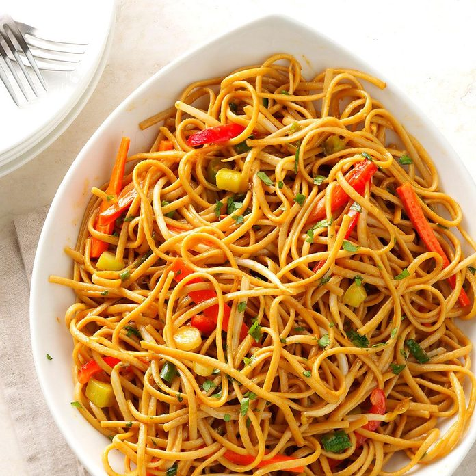 Thai Pasta with Spicy Peanut Sauce