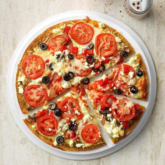 Three Cheese Pesto Pizza Exps Sdjj19 20984 E02 12 2b 2