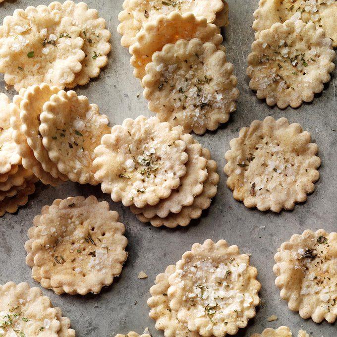Thyme Sea Salt Crackers Exps Cscs21 144442 B04 07 5b 5
