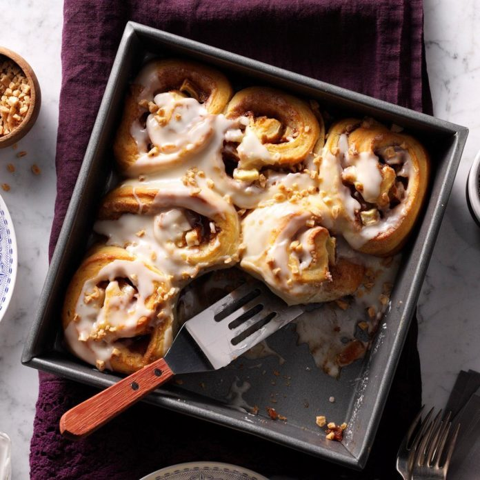 Toffee Apple Cinnamon Buns