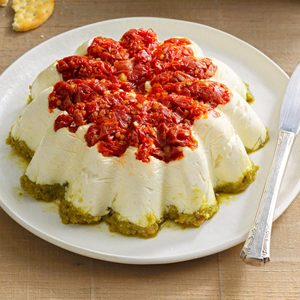 Tomato-Walnut Pesto Spread