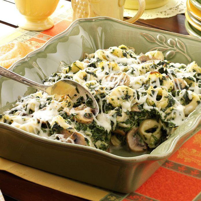 Tortellini Spinach Casserole Exps37960 Th1115463c04 05 1b Rms 6