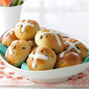 Traditional Easter Dinner: Hot Cross Buns