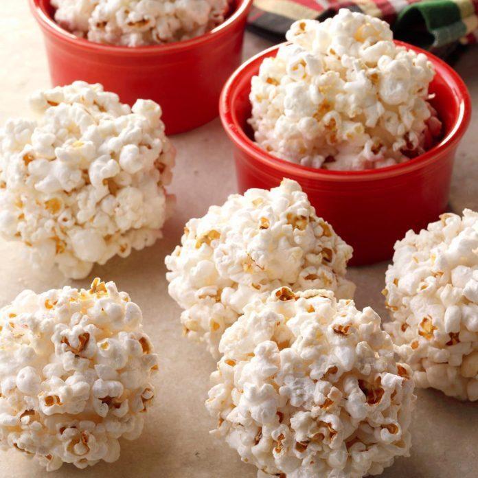 How to make easy molasses popcorn balls