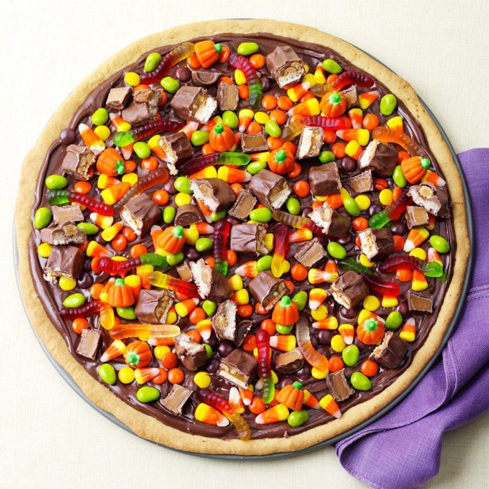 Sweet Treat: Trick-or-Treat Pizza