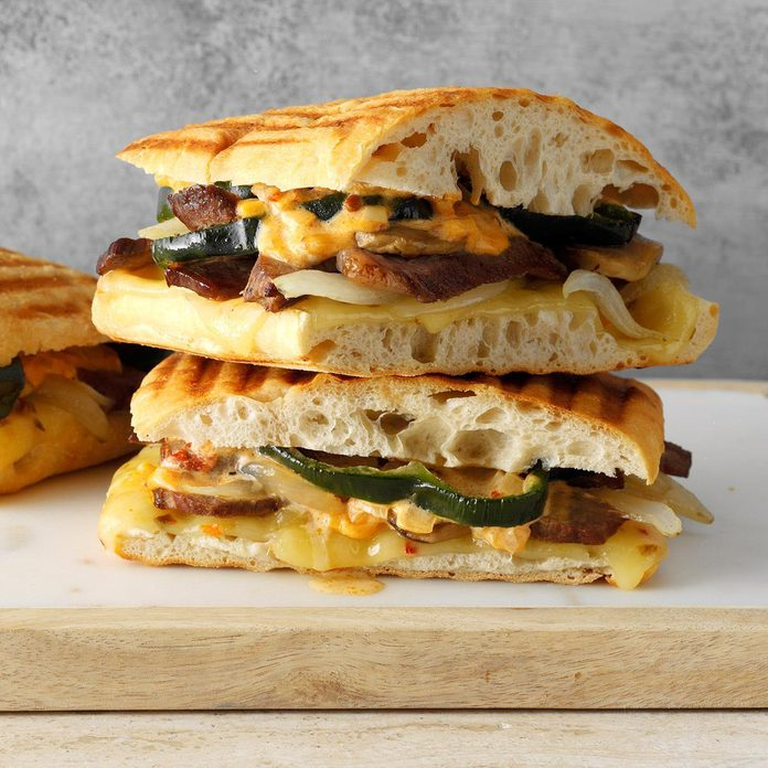 Triple Pepper Steak Sandwiches Exps Chmz19 113274 B10 30 7b 2