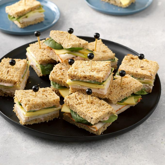 Turkey Gouda Apple Tea Sandwiches Exps Hca21 48269 C03 23 8b