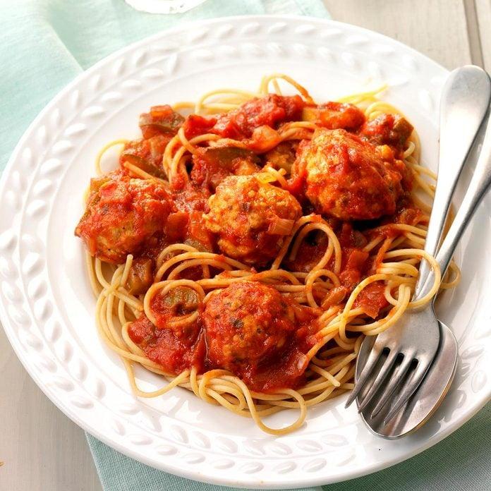 Turkey Meatballs And Sauce Exps Sscbz18 117051 D09 27 4b 2