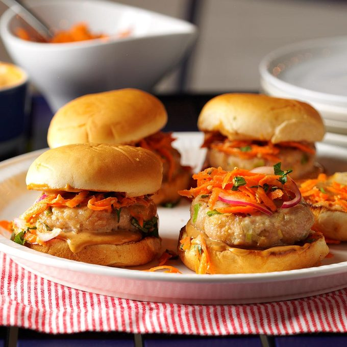 Turkey Sliders With Sesame Slaw Exps Hc17 119056 D07 29 7b 7
