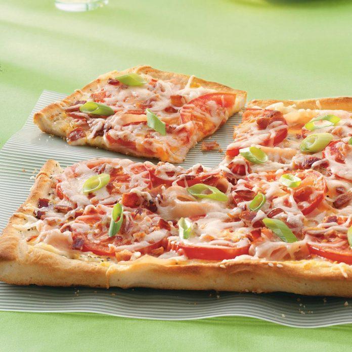 Turkey Tomato Pizza