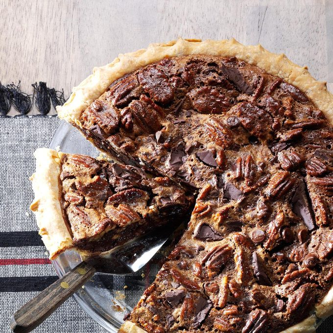 Ultimate Chocolate Chunk Pecan Pie Exps171618 Th133086a07 24 3bc Rms 5