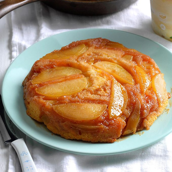 Upside Down Apple Cake With Butterscotch Topping Exps Srbz16 38376 B09 14 4b 10
