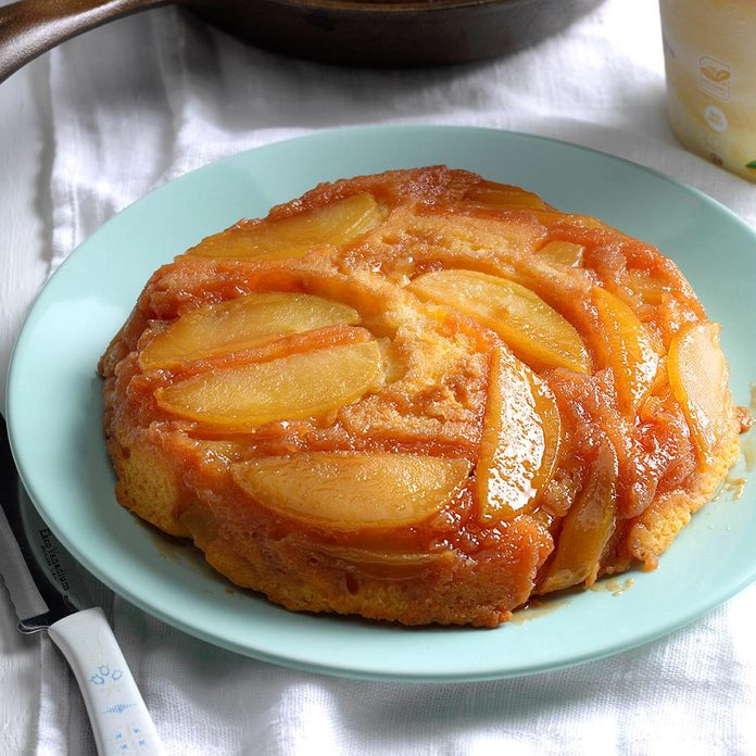 Upside Down Apple Cake With Butterscotch Topping Exps Srbz16 38376 B09 14 4b 9