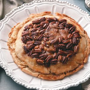 Upside-Down Apple Pecan Pie