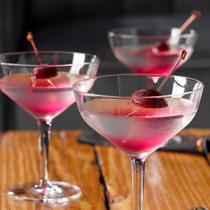 Vampire Killer Martini Exps Tohon19 159085 E06 18 3b 3