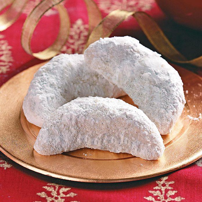 Vanilla Crescent Cookies Exps49343 Thca1917912b03 11 4bc Rmsj 2