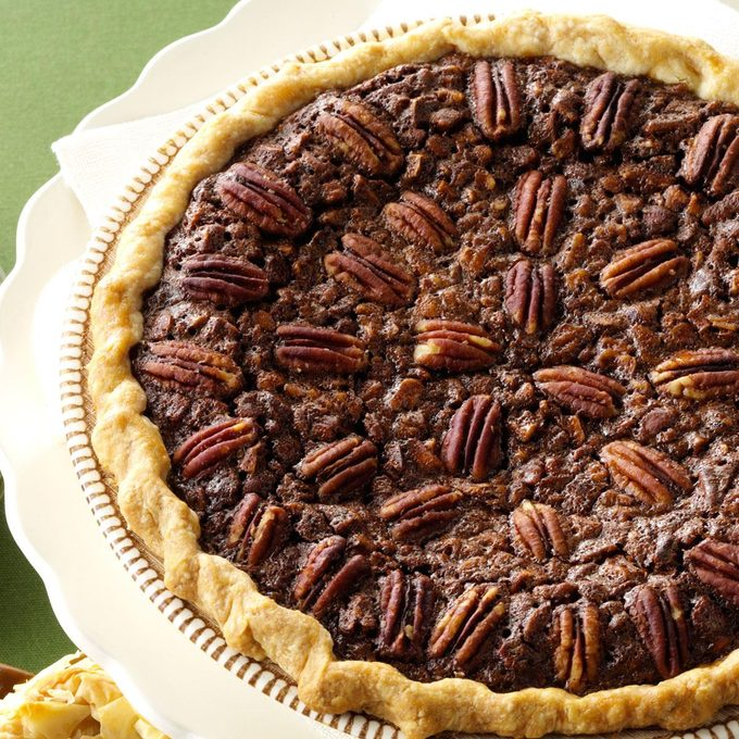 Velvety Chocolate Butter Pecan Pie Exps62402 Th2236620b06 13 3b Rms 10
