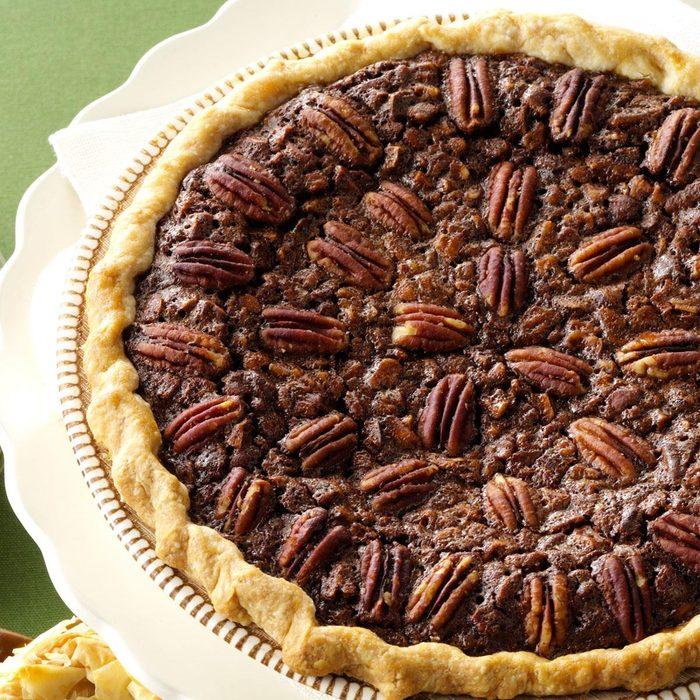 Velvety Chocolate Butter Pecan Pie Exps62402 Th2236620b06 13 3b Rms 12