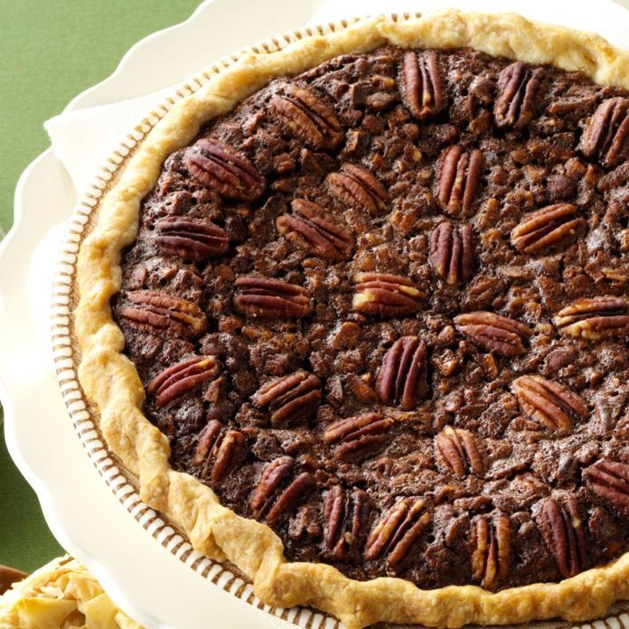 Velvety Chocolate Butter Pecan Pie