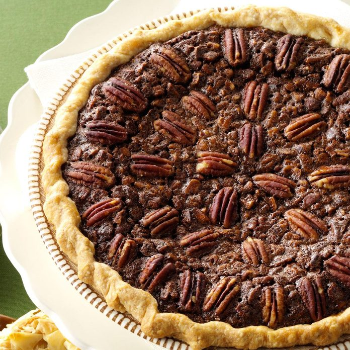 Velvety Chocolate Butter Pecan Pie Exps62402 Th2236620b06 13 3b Rms 8