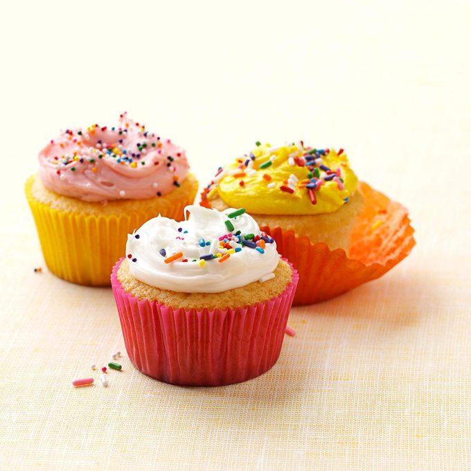 Very Vanilla Cupcakes Exps164667 Th2379807b11 07 4bc Rms 5