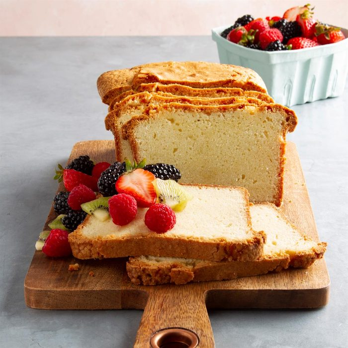 Whipped Cream Pound Cake Exps Ft21 28121 F 0714 1