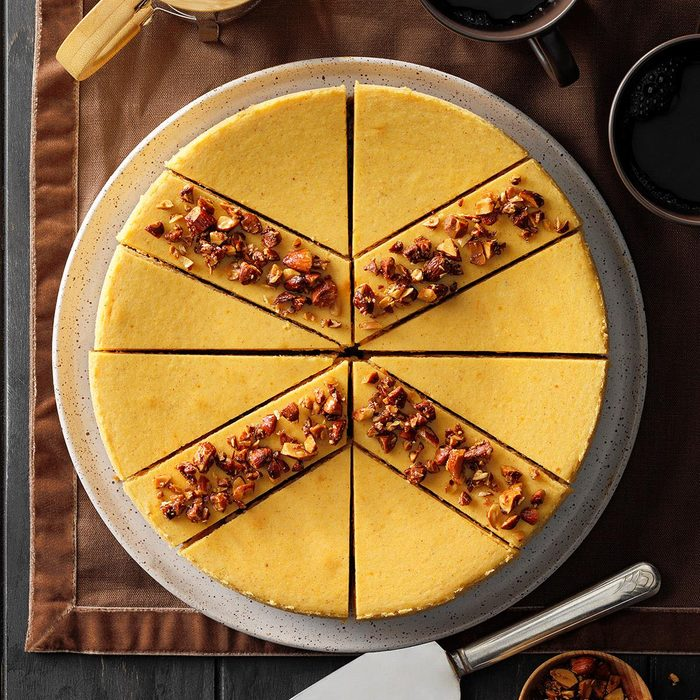 White Chocolate Pumpkin Cheesecake With Almond Topping Exps Pcbbz21 38142 B05 04 9b 2