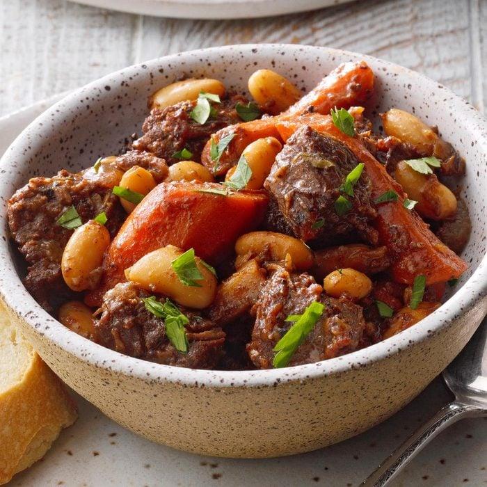Wintertime Braised Beef Stew Exps Diydap21 41100 B10 12 1b
