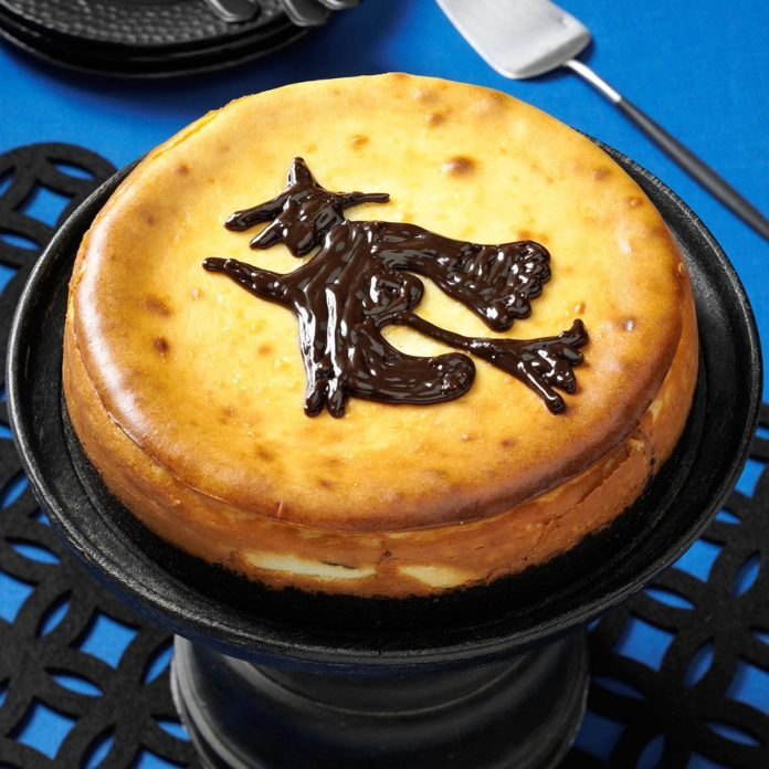 Witch-in-the-Moonlight Cheesecake