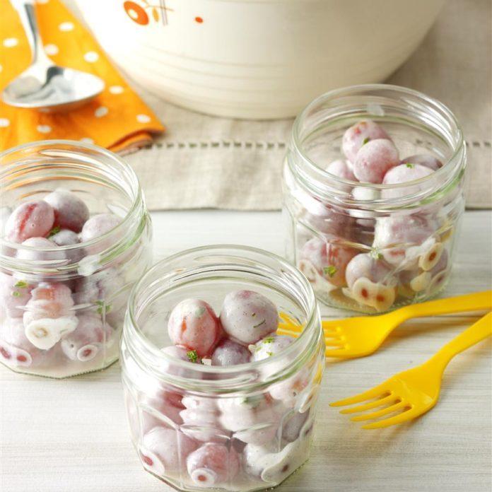 Yogurt Grape Salad